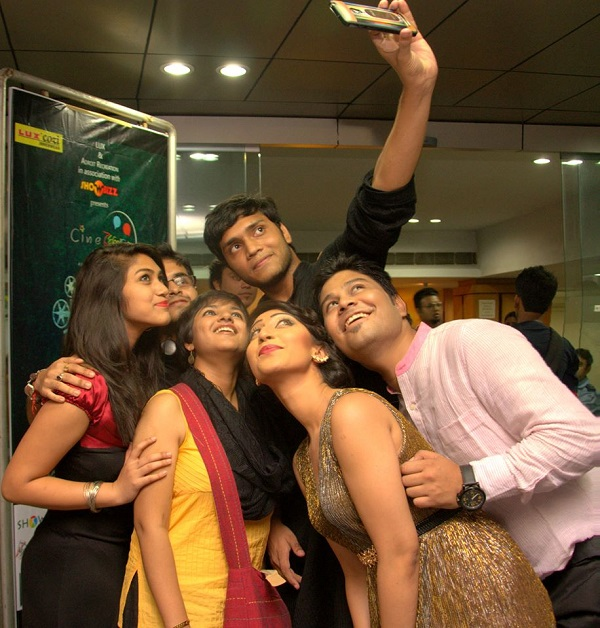 cinemela selfie moment