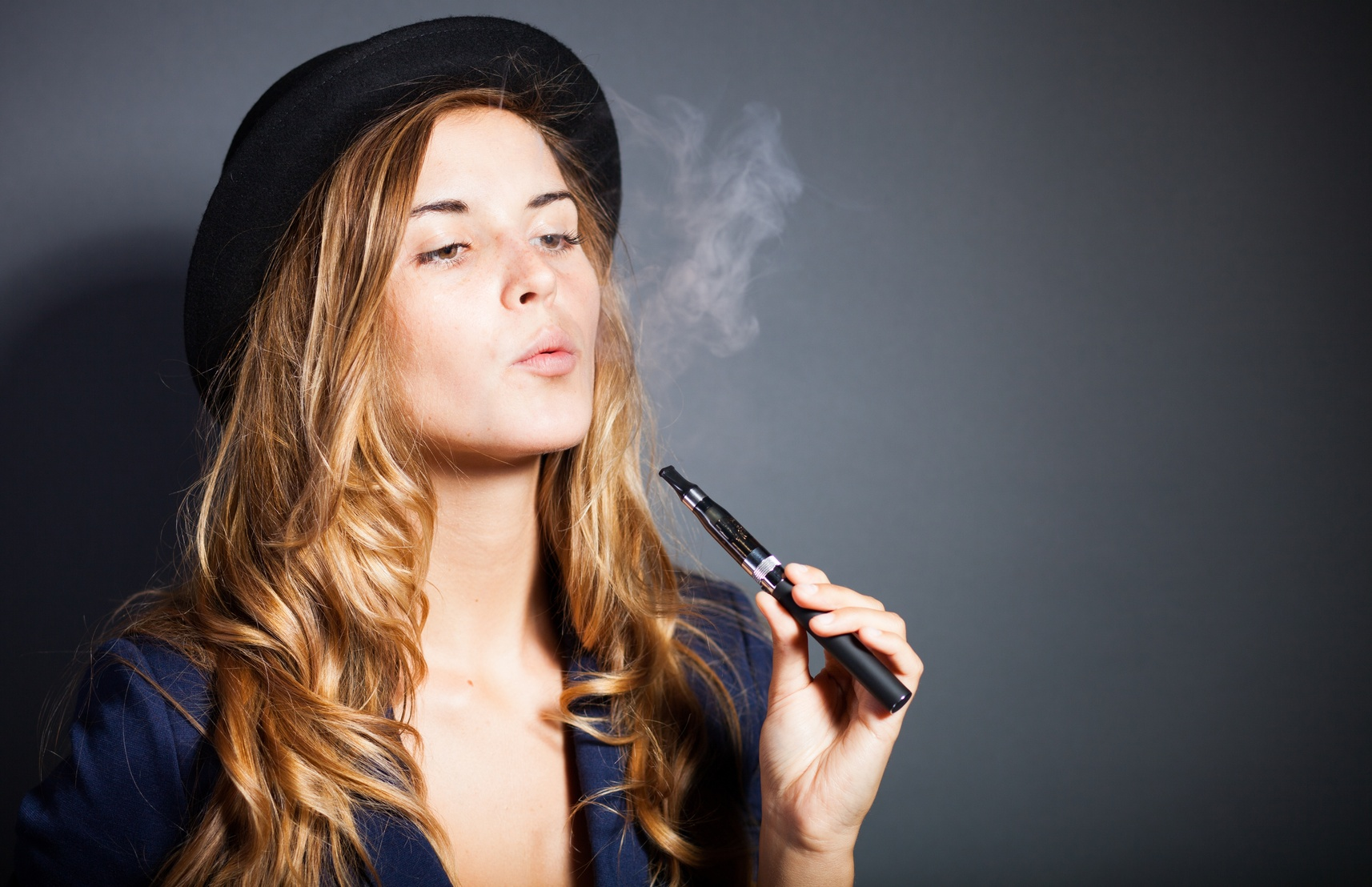 Photo of E-cigarettes contain harmful chemical subject to health risk