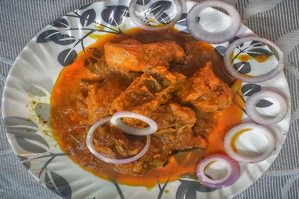 Chicken Dhaabe Ka: A Delicious Chicken Curry